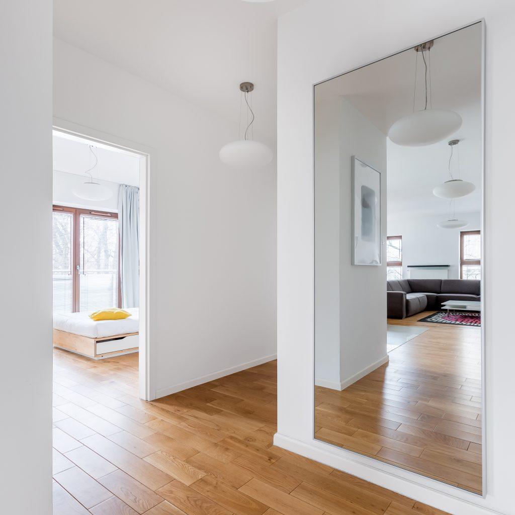 Καθρέπτης τοίχος σπίτι