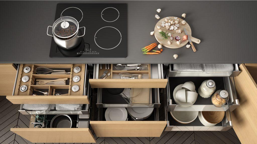 Οργάνωση συρταριών στην κουζίνα