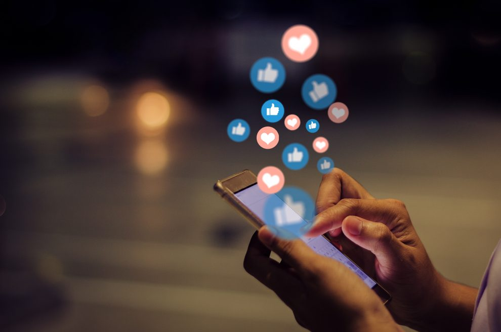 Τι να προσέχεις για να μην σε χακάρουν στα social media