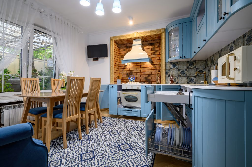 Κουζίνα με μπλε αποχρώσεις