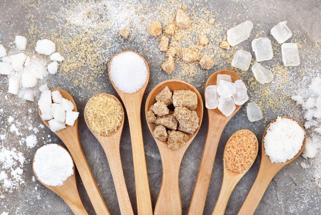 Καστανή και λευκή ζάχαρη