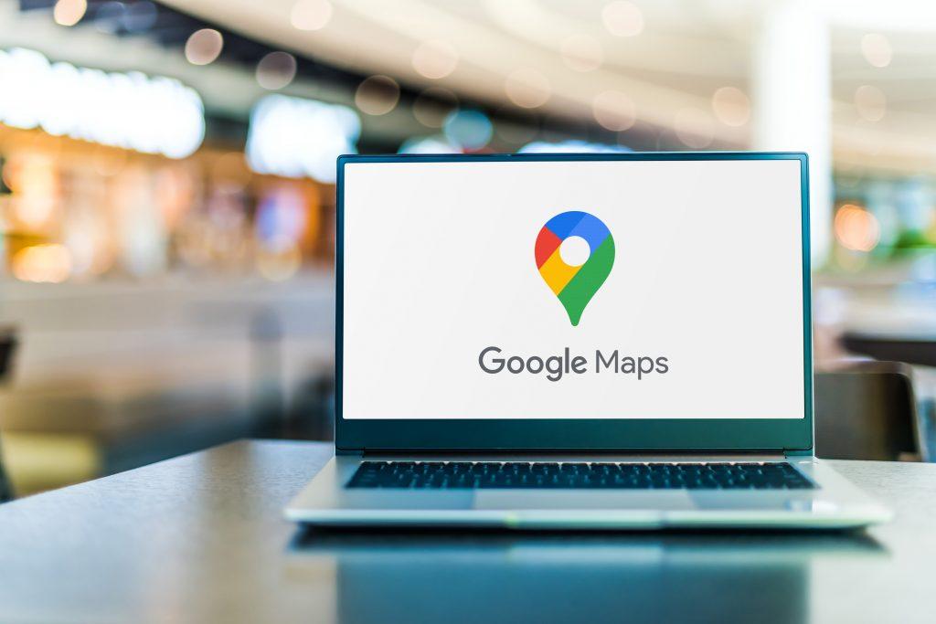 Laptop Google Maps