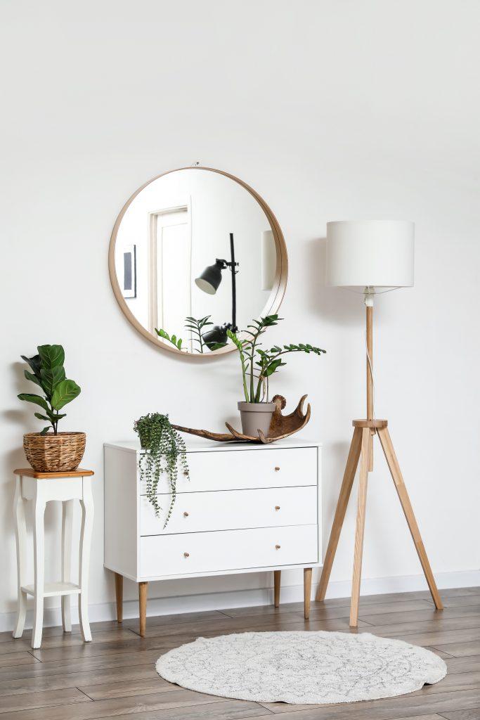 Λευκή συρταριέρα