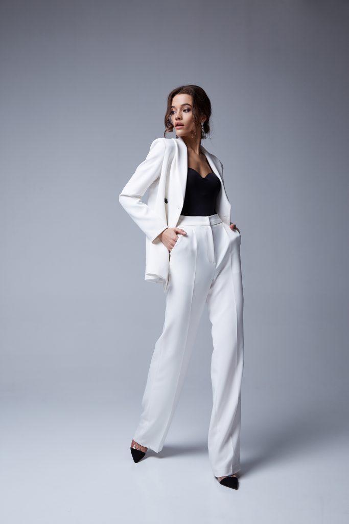 Λευκό κουστούμι