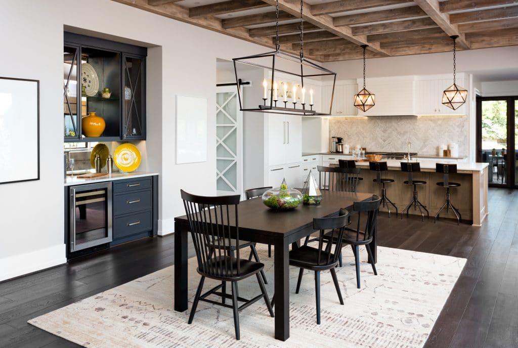 Μαύρες καρέκλες κουζίνας